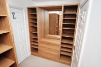 Oak Walk in Wardrobe with Vanity 0